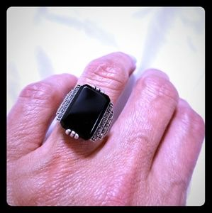 🆕️ Art Deco  Onyx & Marcasite Silver Ring